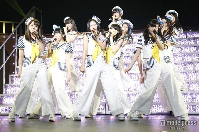 11日、「HKT48九州7県ツアー~可愛い子には旅をさせよ~」がスタートした。/(C)AKS