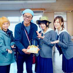桜田ひより、英勉監督、齋藤飛鳥、山下美月(提供写真)