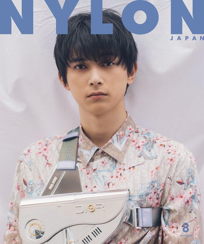 「NYLON JAPAN」8月号(6月28日発売)表紙:吉沢亮(画像提供:カエルム)