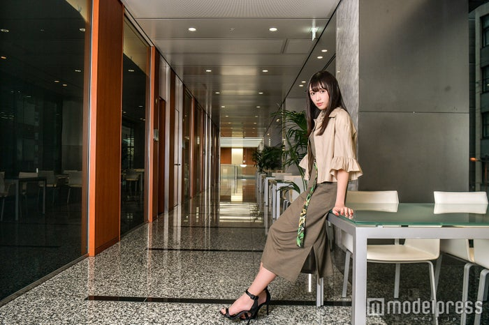 渡辺梨加(C)モデルプレス/[衣装協力]et momonakia  SHIFFON  スタイリング/鹿野巧真  ヘアメイク/George