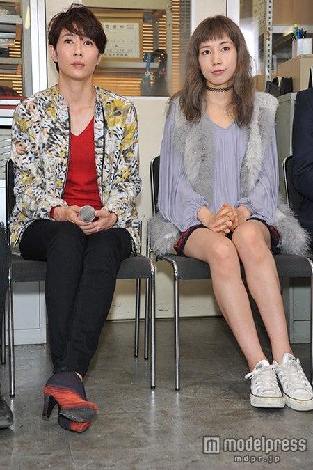 (左から)水野美紀、仲里依紗