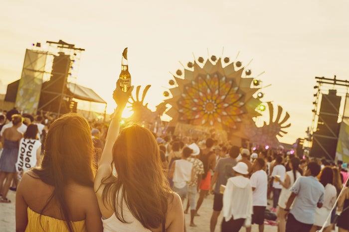 沖縄最大級のビーチで音楽フェス!「CORONA SUNSETS FESTIVAL 2018」&女子旅3daysプラン(提供画像)