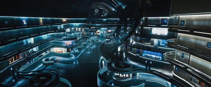 豪華宇宙船アヴァロン号