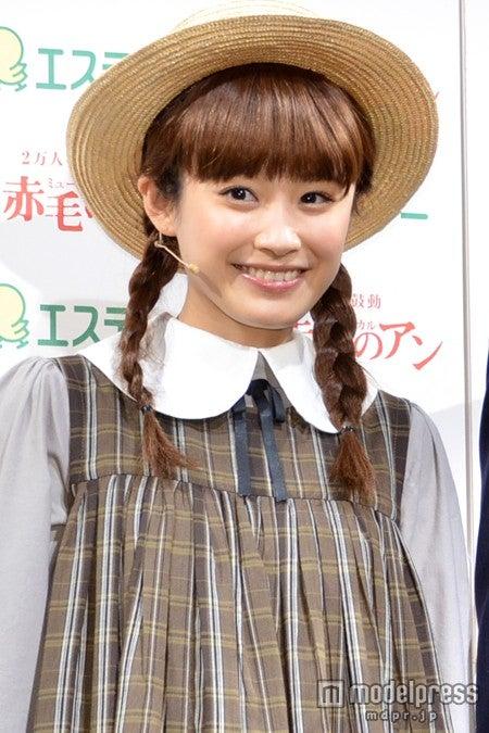 ミュージカル「赤毛のアン」イベントに出席した、高橋愛