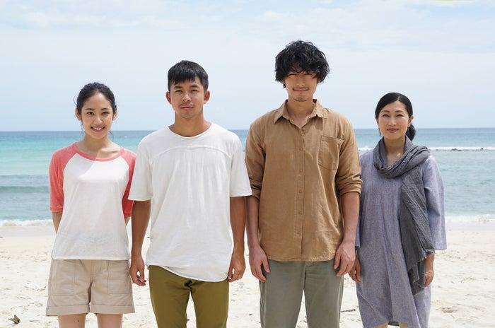 (左から)阿部純子、太賀、ディーン・フジオカ、鶴田真由(C)2018「海を駆ける」製作委員会