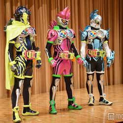(左より)仮面ライダースナイプ、仮面ライダーエグゼイド、仮面ライダーブレイブ(C)モデルプレス