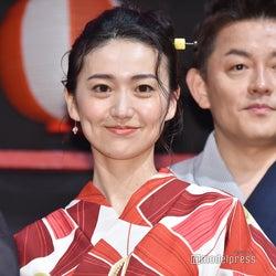 大島優子、涼しげ浴衣で登場 「ストレンジャー・シングス」キャストと対面で歓喜