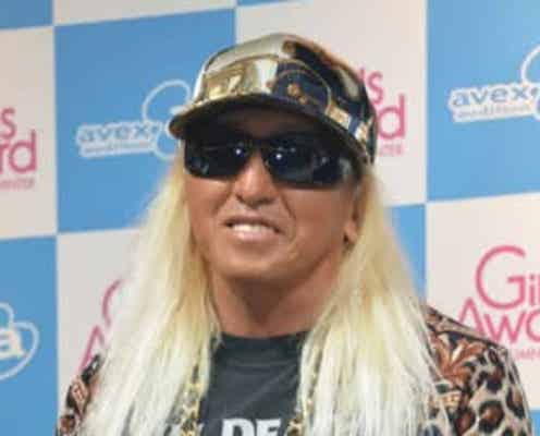"DJ KOO、黒ずくめの""授業参観""スタイルに反響「かっこいい」「素敵」"