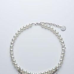 「ミキモト」×「コムデギャルソン」 男性用の真珠ネックレスを発表