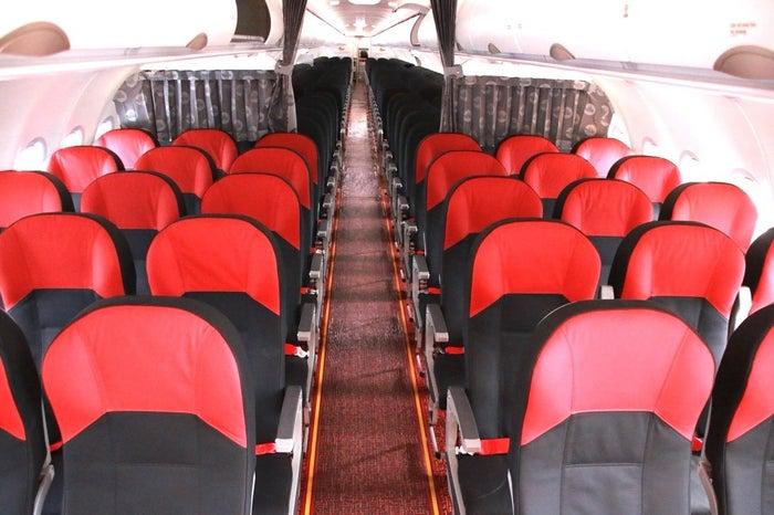 レザーシートで座り心地もよいので快適な空の旅
