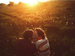 ずっとこうしてたい…!彼氏が「本命彼女にするキス」4つとは