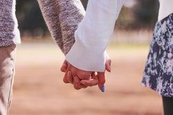 年齢差カップルが安定した関係を築くコツ5つ 年はやっぱ関係ない!