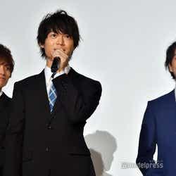 (左から)正木郁、溝口琢矢、渡部秀 (C)モデルプレス