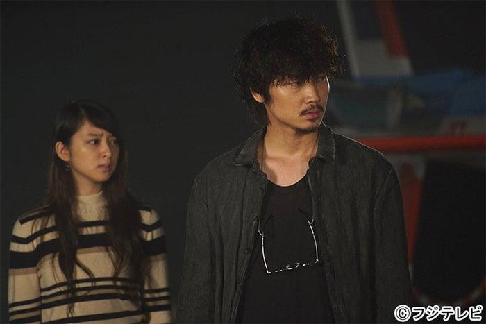 武井咲、綾野剛/「すべてがFになる」第5話より
