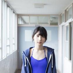 HKT48松岡菜摘「恥ずかしい」透明感あふれる水着姿で初の試み