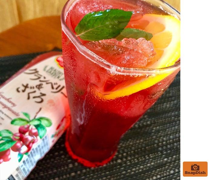 「クランベリー&ざくろ+ジン&ソーダ 」(おりぃさん)