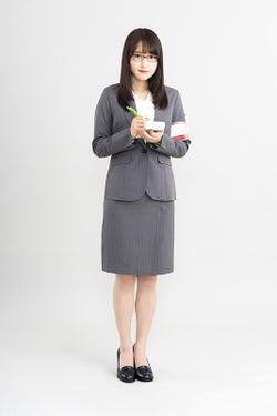 欅坂46菅井友香、記者になる 実際に新聞掲載も