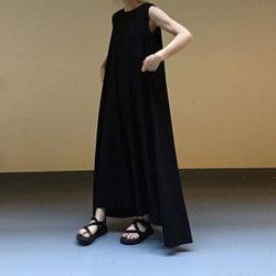 夏の黒ワンピースで大人っぽコーデ10選 あえてキレイ色を使わないのがおしゃれ!