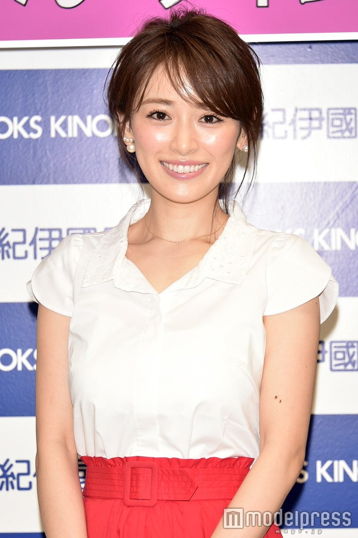初のスタイルBOOK「RIKA」の発売記念イベントを開催した泉里香(C)モデルプレス