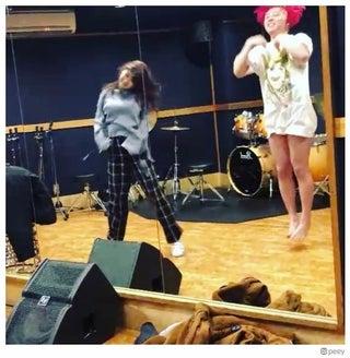 ぺえ、元AKB48西野未姫との即興全力ダンス動画公開「2人とも上手」「すごい迫力」