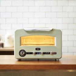 冷凍パンでもサクッ、モチッのトーストになる万能トースター。1台8役で焼く、煮る、蒸すなど豪華料理も作れる