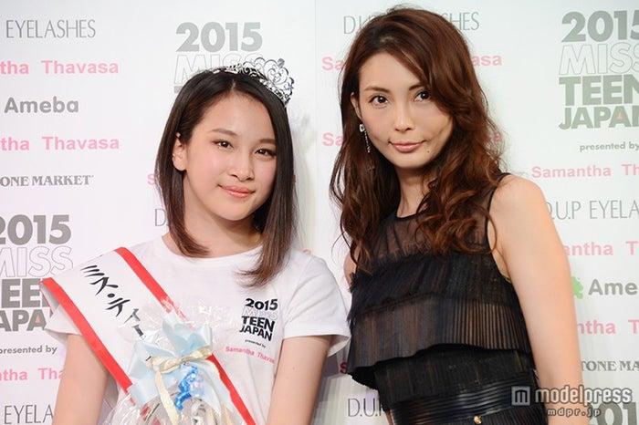 (左より)坂本澪香さん、押切もえ