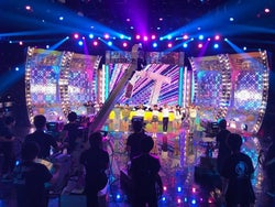 TWICE、日本のテレビ初パフォーマンスへ DEAN FUJIOKA・EXILE THE SECOND・欅坂46「Mステ」リハ風景公開