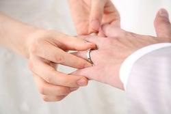 【3つの特徴】結婚がすぐに決まる「運命の恋」ってこういうもの。/photo by GAHAG