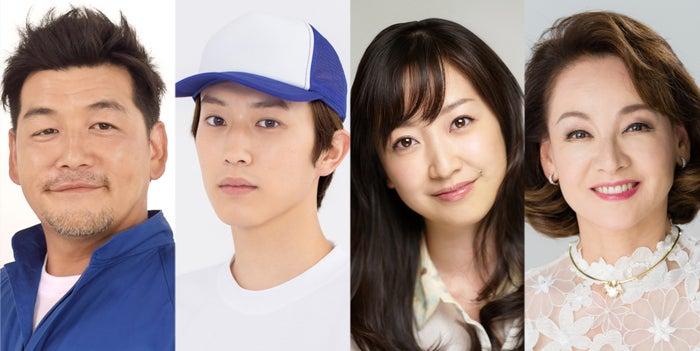 (左から)富澤たけし、杉野遥亮、黒川智花、夏樹陽子(C)TBS