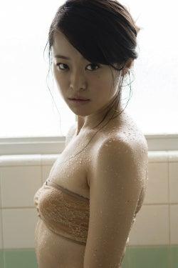 島崎由莉香(C)栗山秀作/週刊プレイボーイ