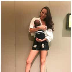 モデルプレス - 道端アンジェリカ、ショートパンツで美脚あらわ 抜群スタイルに「産後とは思えない」「美しすぎるママ」と注目集まる