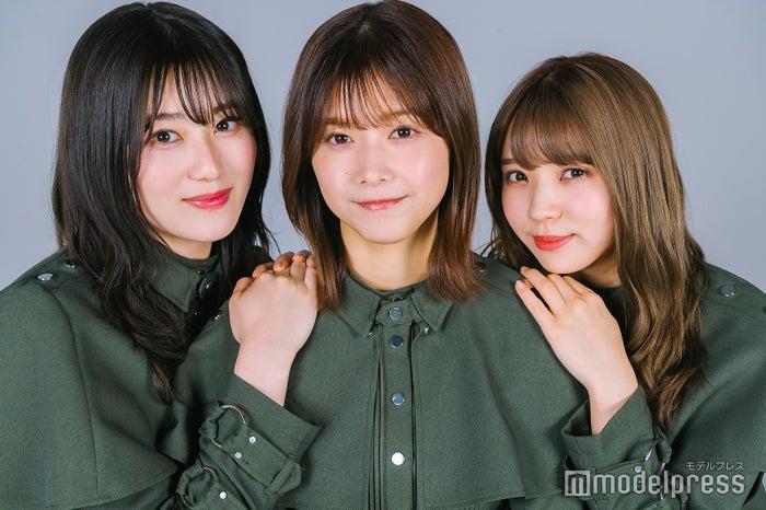(左から)守屋茜、渡邉理佐、小林由依(C)モデルプレス