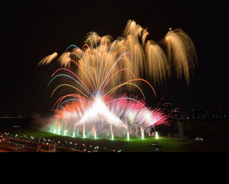 令和最初の「葛飾納涼花火大会」開催 約13,000発打ち上げ
