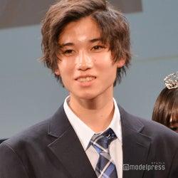 日本一制服が似合う男子決定 静岡県出身の高校2年生・佐野陽彩くん