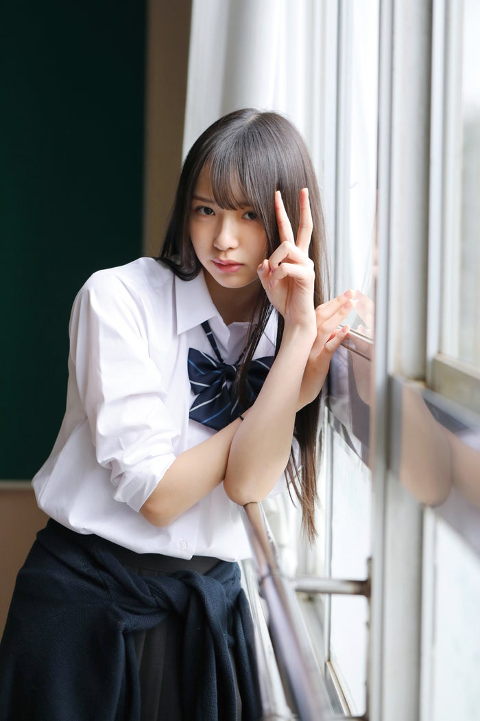 三品瑠香/『三品瑠香 1st写真集 EPHEMERAL』(徳間書店) 撮影:田口まき