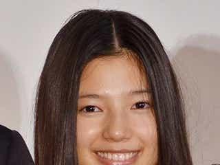 "E-girls石井杏奈、監督からの""サプライズ卒業証書""に感動 「集大成でもありスタートでもある」"