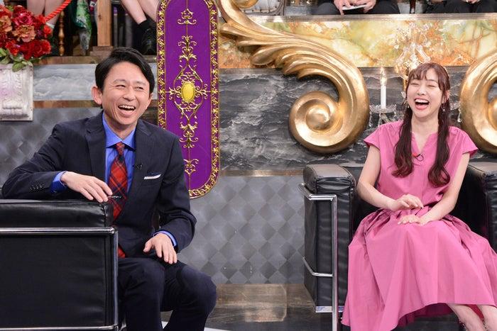 (左から)有吉弘行、須田亜香里(C)日本テレビ