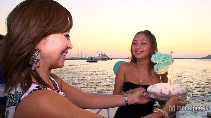 倉沢淳美さん(左)と娘・桂奈ちゃん(右)/画像提供:毎日放送