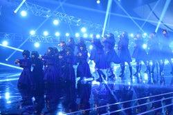 欅坂46、シングル表題曲を一斉披露 「不協和音」もテレビ初パフォーマンス