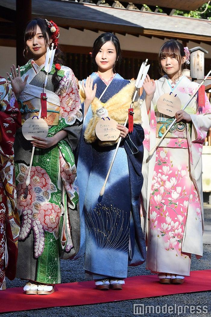 梅澤美波、佐々木琴子、田村真佑(C)モデルプレス