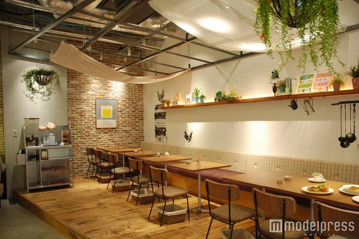 COOKCOOP CAFE店内/画像提供:カフェ・カンパニー