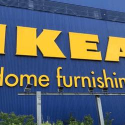 """「ドリンクが浮いてる?」「2個で999円?!」IKEAのコスパ良すぎる""""最高傑作""""これは買わねば…!"""