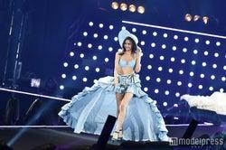"""""""10頭身モデル""""香川沙耶、ランジェリー姿で圧倒的美ボディ披露 3万人を釘づけに<TGC2016 S/S>"""