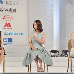 "米倉涼子、上戸彩、武井咲、歴代""国民的美女""が初3ショット"