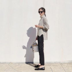 30代女性必見! 着やせ効果実感のブラックデニムパンツスタイル4選