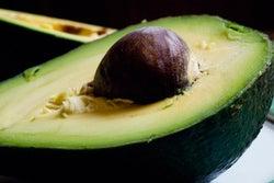 アボカドに含まれるオイルが良質/Avocado by threelayercake
