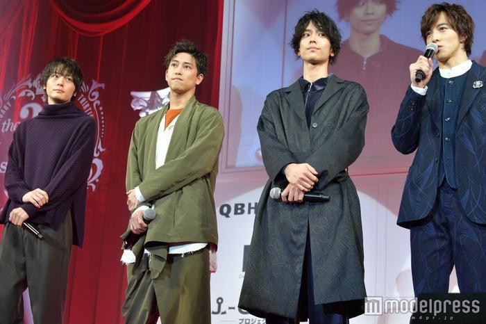 犬飼貴丈、佐野岳、黒羽麻璃央、上遠野太洸 (C)モデルプレス