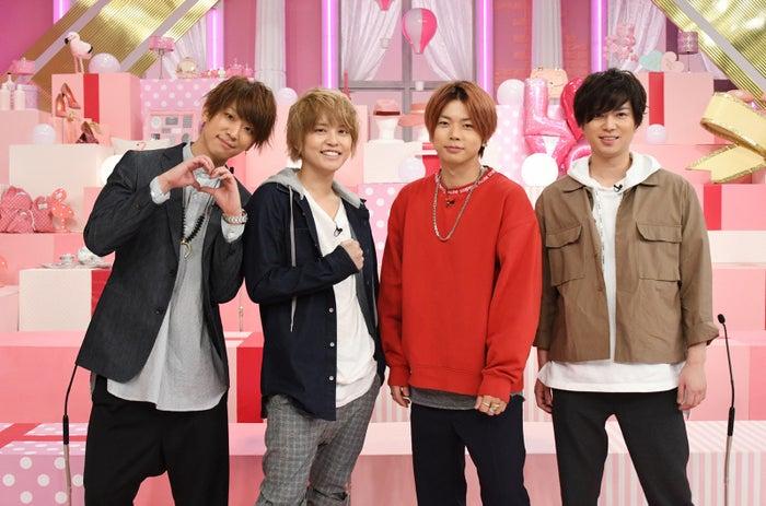NEWS(左から)小山慶一郎、手越祐也、増田貴久、加藤シゲアキ(C)日本テレビ