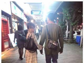 高橋愛&あべこうじ夫妻、ラブラブ手繋ぎショットに「見てて幸せになる」「可愛すぎる夫婦」の声