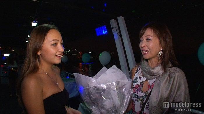 倉沢淳美さん(右)と娘・桂奈ちゃん(左)/画像提供:毎日放送